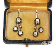 Серьги-подвески с бриллиантами